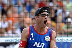 26-08-2006: VOLLEYBAL: NESTEA EUROPEAN CHAMPIONSHIP BEACHVOLLEYBALL: SCHEVENINGEN<br /> Nikolas Berger (AUT)<br /> ©2006-WWW.FOTOHOOGENDOORN.NL