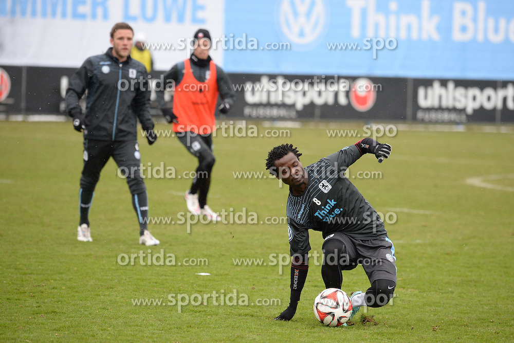 05.03.2015, Gruenwalderstrasse, M&uuml;nchen, GER, 2. FBL, TSV 1860 M&uuml;nchen, Training, im Bild vl. Anthony Annan ( TSV 1860 Muenchen ), // during a practice session of 2nd german footballleague club TSV 1860 M&uuml;nchen at the Gruenwalderstrasse in M&uuml;nchen, Germany on 2015/03/05. EXPA Pictures &copy; 2015, PhotoCredit: EXPA/ Eibner-Pressefoto/ Vallejos<br /> <br /> *****ATTENTION - OUT of GER*****