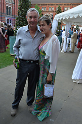Nick Mason & Penny Smith at the V&A Summer Party 2017 held at the Victoria & Albert Museum, London England. 21 June 2017.<br /> Photo by Dominic O'Neill/SilverHub 0203 174 1069 sales@silverhubmedia.com
