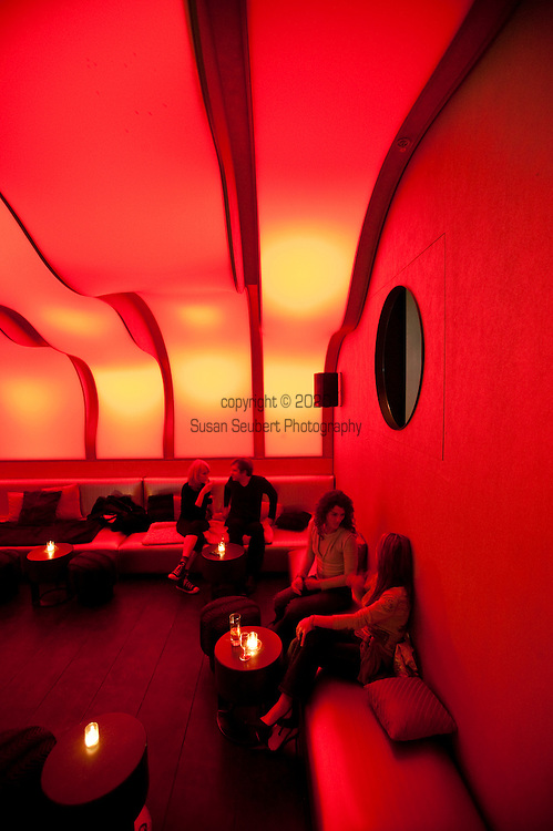 Wunderbar is the nightlife element within the W Hotel in Montreal, located in the fashionable Citi Internationale district adjacent to Old Montreal.