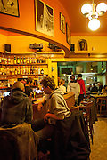 Restaurant und Bar im oberen Teil des Palac Akropolis in Prag Zizkov.