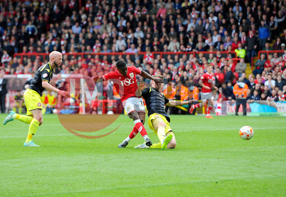 Bristol City's Kieran Agard scores his second goal of the game  - Photo mandatory by-line: Joe Meredith/JMP - Mobile: 07966 386802 - 03/05/2015 - SPORT - Football - Bristol - Ashton Gate - Bristol City v Walsall - Sky Bet League One