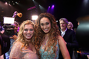 Premiere musical The Bodyguard in het Beatrix Theater, Utrecht.<br /> <br /> Op de foto:  Romy Monteiro met haar moeder Antje Monteiro