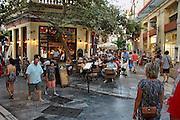 Griekenland, Athene, 5-7-2008Restaurant in de Plaka, onder de Akropolis in de oude stad.Foto: Flip Franssen