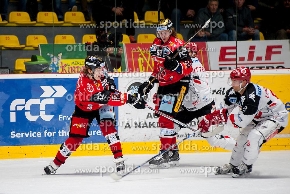 23.10.2016, Ice Rink, Znojmo, CZE, EBEL, HC Orli Znojmo vs HC TWK Innsbruck Die Haie, 13. Runde, im Bild v.l. Radek Cip (HC Orli Znojmo) Libor Sulak (HC Orli Znojmo) Daniel Mitterdorfer (HC TWK Innsbruck) John Lammers (HC TWK Innsbruck) // during the Erste Bank Icehockey League 13th round match between HC Orli Znojmo and HC TWK Innsbruck Die Haie at the Ice Rink in Znojmo, Czech Republic on 2016/10/23. EXPA Pictures © 2016, PhotoCredit: EXPA/ Rostislav Pfeffer