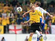 27-05-2007: Voetbal: VVV Venlo - RKC Waalwijk: Venlo<br /> RKC Waalwijk is gedegradeerd naar de Jupiler League.<br /> Bas Jacobs, volgend jaar Fortuna Sittard, in luchtduel met Patrick van Diemen<br /> foto : Geert van Erven