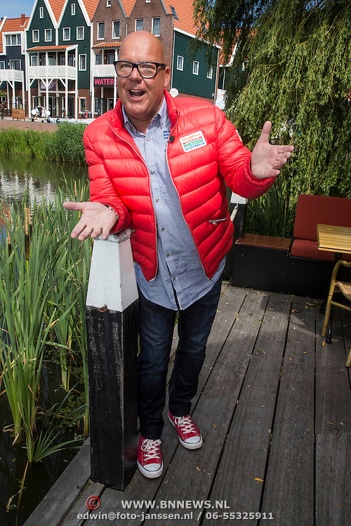 NLD/Volendam/20140620 -Presentatie 'Herinneringen' Dvd box Nick & Simon, Gaston Starreveld