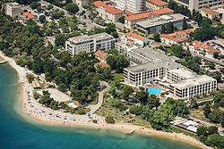 21.06.2015, Zadar, CRO, Zadar, Hotel Kolovare, Zadar liegt im Süden Kroatiens in Norddalmatien. Zadar ist eine Hafenstadt und ein Seebad an der Adria mit 75.062 Einwohnern, im Bild Below Hotel Kolovare is a long pebble beach, one of the oldest and most beloved beaches in Zadar // Zadar is located in the south of Croatia on the Adriatic Sea. Zadar is a port city and a seaside resort on the Adriatic Sea with a population of 75,062, pictured on 12.6.2015 in Zadar, Croatia on 2015/06/21. EXPA Pictures © 2015, PhotoCredit: EXPA/ Pixsell/ Dino Stanin<br /> <br /> *****ATTENTION - for AUT, SLO, SUI, SWE, ITA, FRA only*****
