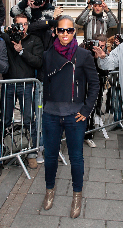 28.SEPTEMBER.2012. LONDON<br /> <br /> ALICIA KEYS ARRIVING AT THE BBC RADIO ONE STUDIO IN LONDON.<br /> <br /> BYLINE: EDBIMAGEARCHIVE.CO.UK<br /> <br /> *THIS IMAGE IS STRICTLY FOR UK NEWSPAPERS AND MAGAZINES ONLY*<br /> *FOR WORLD WIDE SALES AND WEB USE PLEASE CONTACT EDBIMAGEARCHIVE - 0208 954 5968*