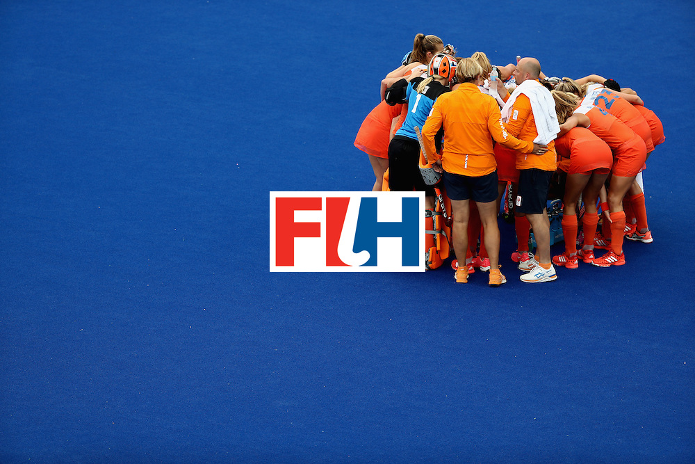 RIO DE JANEIRO, BRAZIL - AUGUST 12:  Team Netherlands huddle against New Zealand <br /> during a Women's Preliminary Pool A match on Day 7 of the Rio 2016 Olympic Games at the Olympic Hockey Centre on August 12, 2016 in Rio de Janeiro, Brazil.  (Photo by Sean M. Haffey/Getty Images)