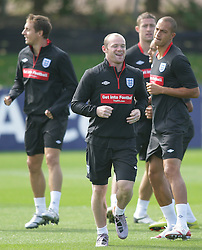 09.08.2010. Arsenal Training Ground, London, ENG, Nationalteam England Training, im Bild Wayne Rooney laugh as , EXPA Pictures © 2010, PhotoCredit: EXPA/ IPS/ Mark Atkins *** ATTENTION *** UK ..AND FRANCE OUT! / SPORTIDA PHOTO AGENCY