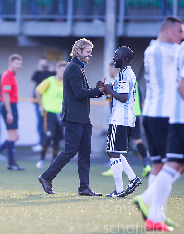 Hearts Head Coach Robbie Neilson with Gomis at the end.<br /> Alloa Athletic 0 v 1 Hearts, Scottish Championship played at Recreation Park, Alloa.