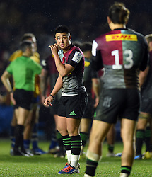 Marcus Smith of Harlequins speaks with team-mate Michele Campagnaro - Mandatory byline: Patrick Khachfe/JMP - 07966 386802 - 23/11/2019 - RUGBY UNION - The Twickenham Stoop - London, England - Harlequins v Bath Rugby - Heineken Champions Cup