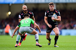 Ollie Devoto of Exeter Chiefs is challenged by Marcus Smith of Harlequins - Mandatory by-line: Ryan Hiscott/JMP - 27/04/2019 - RUGBY - Sandy Park - Exeter, England - Exeter Chiefs v Harlequins - Gallagher Premiership Rugby