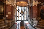 Milano, Lombardia, Italia. Stile liberty. Liberty style. Casa Berri-Meregalli via Capuccini 10. Scultura di Adolfo Wildt.