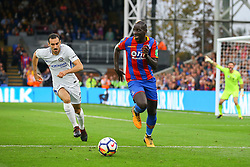 Mamadou Sakho of Crystal Palace under pressure from Davide Zappacosta of Chelsea - Mandatory by-line: Jason Brown/JMP - 14/10/2017 - FOOTBALL - Selhurst Park - London, England - Crystal Palace v Chelsea - Premier League
