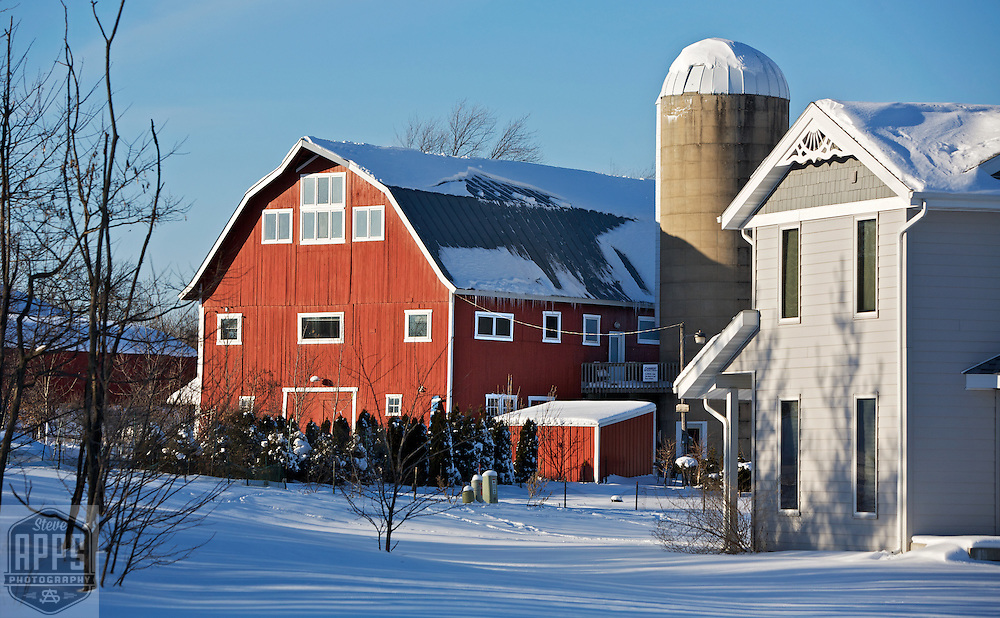 A collection of Barns that still can be seen while traveling the countryside in  the beautiful State of Wisconsin.<br /> Dane County- Red barn and homes off of Lacy Rd in Fitchburg. Barns from around the State of Wisconsin.