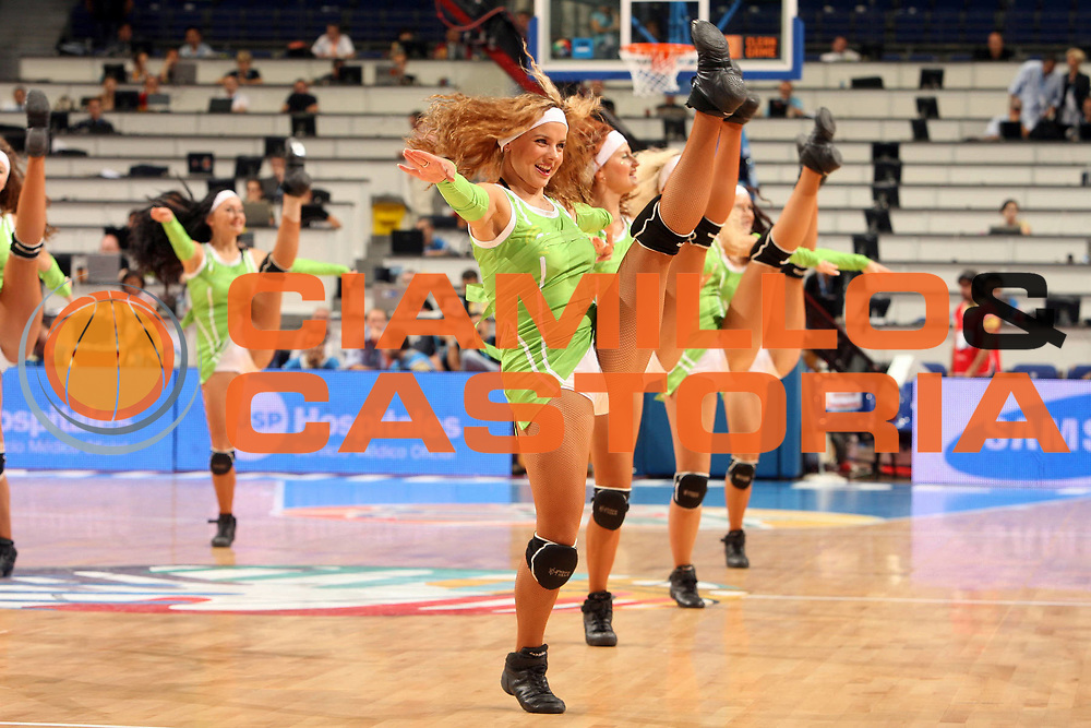 DESCRIZIONE : Madrid Spagna Spain Eurobasket Men 2007 Classification Round 5th to 8th place Gare Quinto - Ottavo Posto Germania Slovenia Germany Slovenia<br /> GIOCATORE : Cheerleaders<br /> SQUADRA : <br /> EVENTO : Eurobasket Men 2007 Campionati Europei Uomini 2007 <br /> GARA : Germania Slovenia Germany Slovenia<br /> DATA : 15/09/2007 <br /> CATEGORIA : Ritratto<br /> SPORT : Pallacanestro <br /> AUTORE : Ciamillo&amp;Castoria/E.Castoria<br /> Galleria : Eurobasket Men 2007 <br /> Fotonotizia : Madrid Spagna Spain Eurobasket Men 2007 Classification Round 5th to 8th place Gare Quinto - Ottavo Posto Germania Slovenia Germany Slovenia<br /> Predefinita :