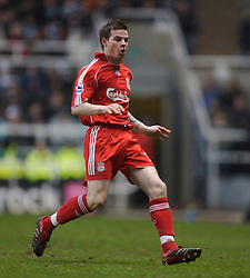 Newcastle, England - Saturday, February 10, 2007: Liverpool's Danny Guthrie in action against Newcastle United during the Premiership match at St James' Park. (Pic by David Rawcliffe/Propaganda)