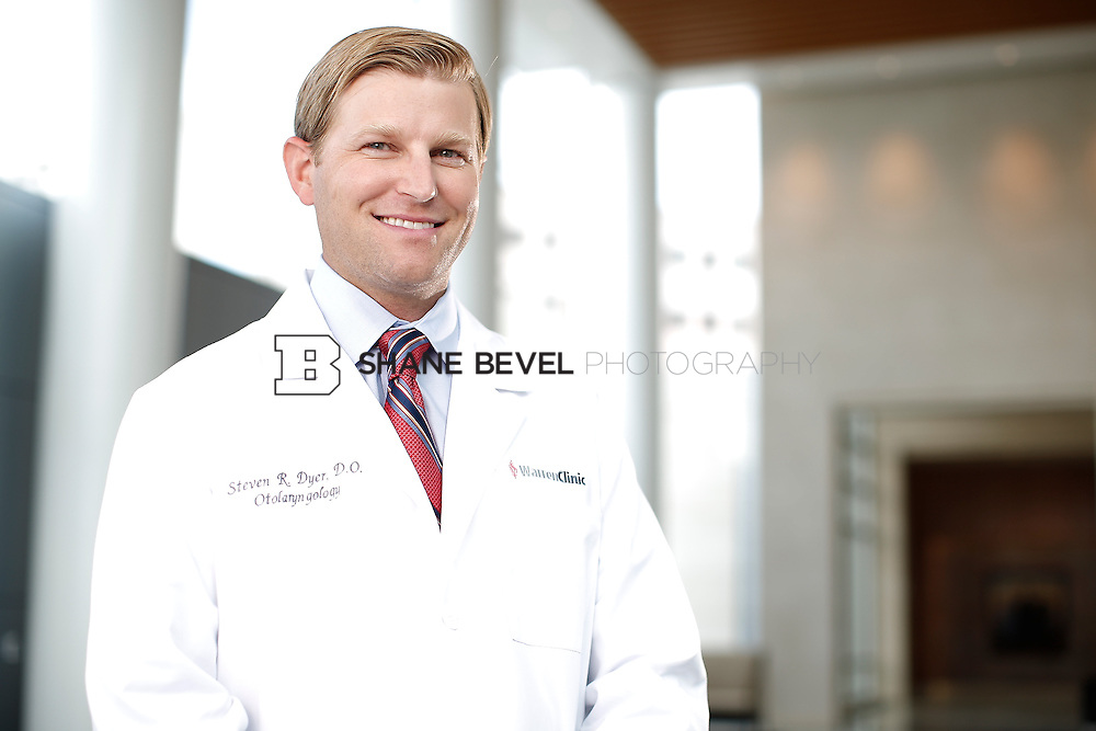 7/22/15 3:22:05 PM -- Dr. Steven Dyer poses for a portrait. <br /> <br /> Photo by Shane Bevel