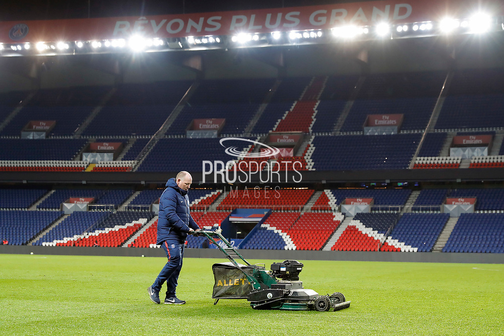 Jonathan Calderwood (PSG) at work with it lawn mower after the game during the French Championship Ligue 1 football match between Paris Saint-Germain and ESTAC Troyes on November 29, 2017 at Parc des Princes stadium in Paris, France - Photo Stephane Allaman / ProSportsImages / DPPI