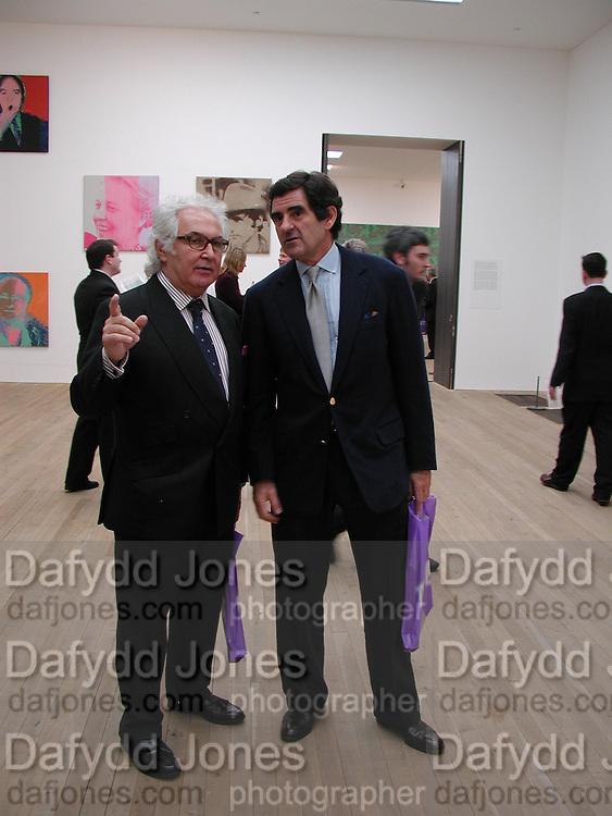 Tony Shafrazi, Peter Brant and Sam Taylor-Wood.  Andy Warhol exhibition opening. Tate Modern, 4 February 2002. © Copyright Photograph by Dafydd Jones 66 Stockwell Park Rd. London SW9 0DA Tel 020 7733 0108 www.dafjones.com