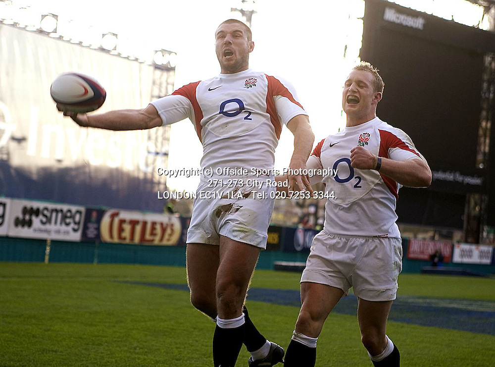 12/11/2005 International Rugby England v Australia.<br /> Ben Cohen celebrates his try with Jamie Noon.<br /> Photo: Mark Leech.