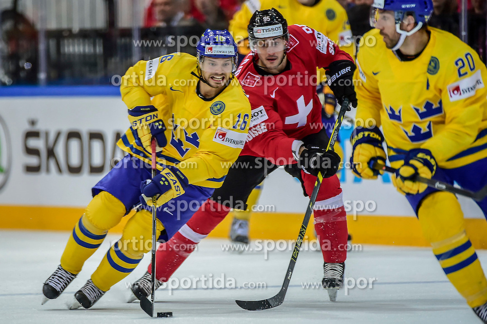 09.05.2015, O2 Arena, Prag, CZE, IIHF, WM, Schweden vs Schweiz, Gruppenphase, im Bild 0 Jacob Josefson (SWE) Julian Walker (SUI) // during the IIHF Icehockey World Championships Groupstage Match between Sweden and Switzerland at the O2 Arena in Prag, Czech Republic on 2015/05/09. EXPA Pictures &copy; 2015, PhotoCredit: EXPA/ Freshfocus/ Andy Mueller<br /> <br /> *****ATTENTION - for AUT, SLO, CRO, SRB, BIH, MAZ only*****