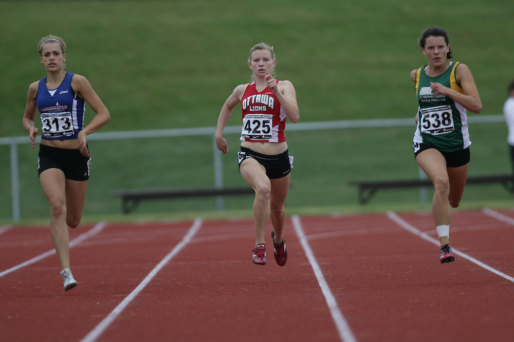 (Charlottetown, Prince Edward Island -- 20090714) Emilie Halle of Ottawa Lions T.F.C. competes in the 400m final at the 2009 Canadian Junior Track & Field Championships at UPEI Alumni Canada Games Place on the campus of the University of Prince Edward Island, July 17-19, 2009.  Sean Burges / Mundo Sport Images ..Mundo Sport Images has been contracted by Athletics Canada to provide images to the media.