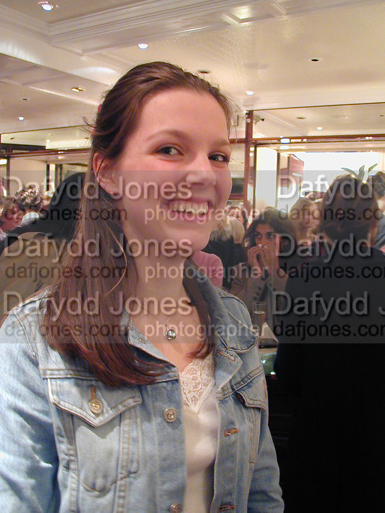 Genevieve Chapman. Samantha Shaw charity fashion show. Asprey and Garrard. London. 26 October 2000. © Copyright Photograph by Dafydd Jones 66 Stockwell Park Rd. London SW9 0DA Tel 020 7733 0108 www.dafjones.com