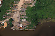Logging<br /> Essequibo River<br /> Iwokrama<br /> Rurununi<br /> GUYANA<br /> South America<br /> Longest river in Guyana
