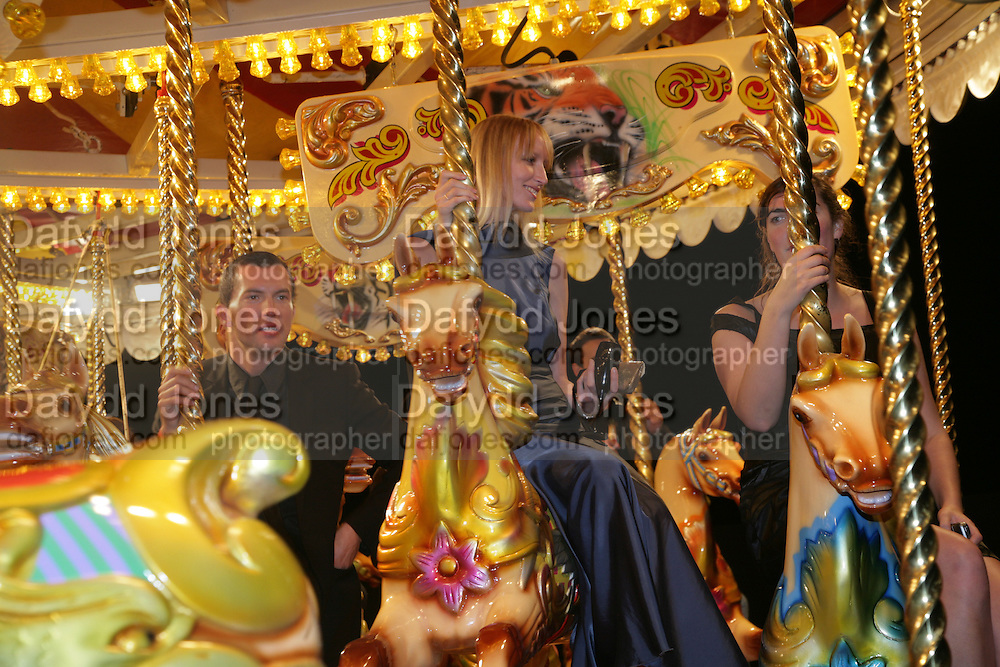 Jade Parfitt and Rebecca Guinness, Moet Mirage, Holland Park. 16 September 2007. -DO NOT ARCHIVE-© Copyright Photograph by Dafydd Jones. 248 Clapham Rd. London SW9 0PZ. Tel 0207 820 0771. www.dafjones.com.