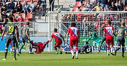 24-09-2017 NED: FC Utrecht - PSV, Utrecht<br /> Grote kans voor Mark van der Maarel #2 of FC Utrecht