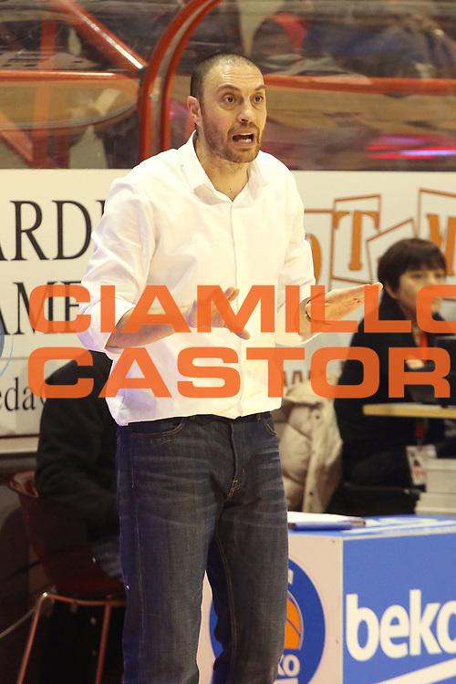 DESCRIZIONE : Campionato 2014/15 Giorgio Tesi Group Pistoia - Pasta Reggia Caserta<br /> GIOCATORE : Esposito vincenzo<br /> CATEGORIA : Allenatore coach<br /> SQUADRA : Pasta Reggia Caserta<br /> EVENTO : LegaBasket Serie A Beko 2014/2015<br /> GARA : Giorgio Tesi Group Pistoia - Pasta Reggia Caserta<br /> DATA : 15/02/2015<br /> SPORT : Pallacanestro <br /> AUTORE : Agenzia Ciamillo-Castoria/S.D'Errico<br /> Galleria : LegaBasket Serie A Beko 2014/2015<br /> Fotonotizia : Campionato 2014/15 Giorgio Tesi Group Pistoia - Pasta Reggia Caserta<br /> Predefinita :