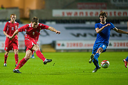 SWANSEA, ENGLAND - Friday, September 4, 2009: Wales' Sam Vokes in action against Italy during the UEFA Under 21 Championship Qualifying Group 3 match at the Liberty Stadium. (Photo by Gareth Davies/Propaganda)