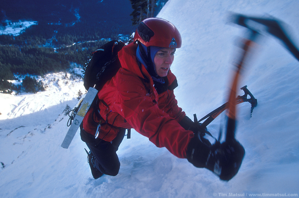 Kristie Arend climbs Spindrift Couloir on Big Four Mountain, WA.