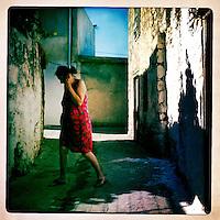 Kreta, Kroustas , 24 juli 2013.<br /> <br /> Een straatje in het bergdorpje Kroustas even ten Zuiden van Kritsa in het Noord Oosten van Kreta.<br /> Summer holiday on the Greek island of Crete. Streetview.