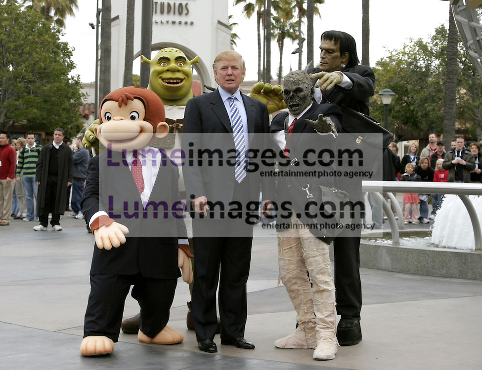UNIVERSAL CITY, CA - MARCH 10, 2006: Donald Trump kicks off the sixth season casting call search for The Apprentice held in the Universal Studios Hollywood, USA on March 10, 2006.