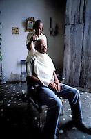 Cuba, Province de Sancti Spiritus, Trinidad, Patrimoine mondial de l'UNESCO // Cuba, Region of Sancti Spiritus, Trinidad, World heritage of UNESCO, hair dresser