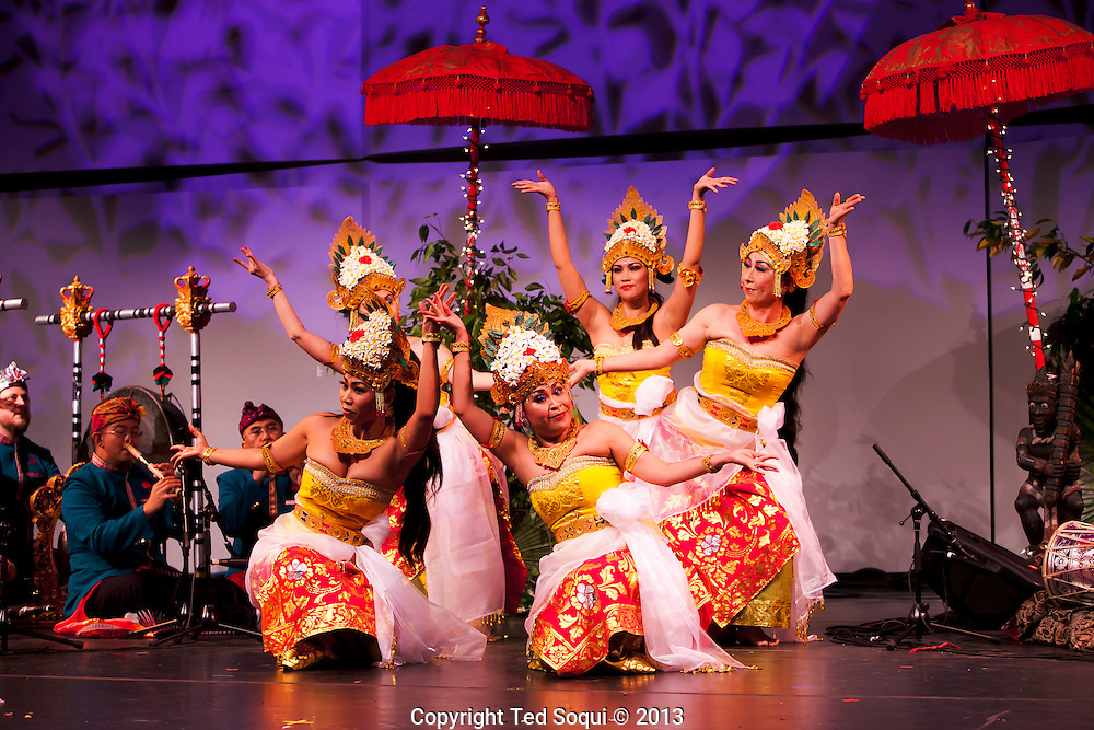 "A Night in Paradise. CalArts Balinese Gamelan ""Burat Wangi."""