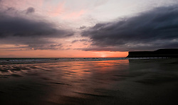 © Licensed to London News Pictures. <br /> 05/04/2017<br /> Saltburn-by-the-Sea, UK. <br />  <br /> The sun begins to rise over the beach at Saltburn-by-the-Sea in North Yorkshire.<br /> <br /> Photo credit: Ian Forsyth/LNP