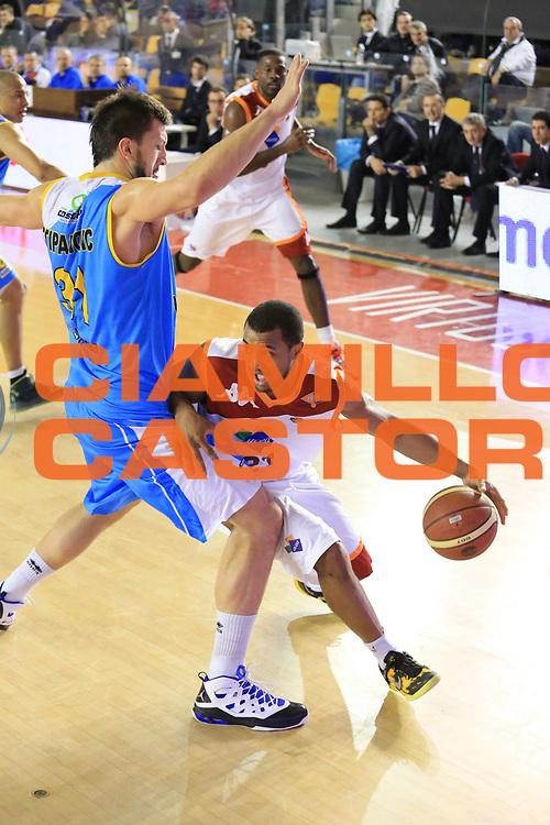 DESCRIZIONE : Roma Lega A 2012-13 Acea Roma Vanoli Cremona<br /> GIOCATORE : Jordan Taylor<br /> CATEGORIA : palleggio penetrazione<br /> SQUADRA : Acea Roma<br /> EVENTO : Campionato Lega A 2012-2013 <br /> GARA :  Acea Roma Vanoli Cremona<br /> DATA : 03/03/2013<br /> SPORT : Pallacanestro <br /> AUTORE : Agenzia Ciamillo-Castoria/M.Simoni<br /> Galleria : Lega Basket A 2012-2013  <br /> Fotonotizia : Roma Lega A 2012-13 Acea Roma Vanoli Cremona<br /> Predefinita :