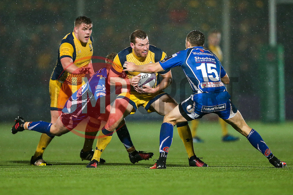 Max Stelling of Worcester Warriors is challenged by Tom Prydie of Dragons - Rogan Thomson/JMP - 10/12/2016 - RUGBY UNION - Sixways Stadium - Worcester, England - Worcester Warriors v Newport Gwent Dragons - European Rugby Challenge Cup.