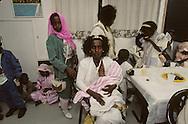 """Family Wacou; new immigrants Ethiopia, """"Falashmuras"""": Christians converted to Judaism  givaat amatos, Jerusalem  Israel     /// arrivee de nouveau amigrants  """"Falashmuras"""" d'Etiopie, famille wacou   givaat amatos, Jerusalem  Israel Chretiens  du Gundar en cours de conversion au judaisme descendant de la tribu de Dan  /// R00287/    L004347  /  P0007186"""