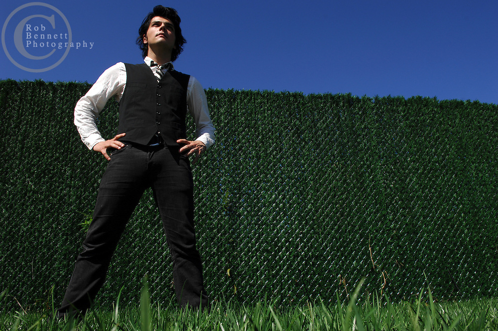 "West New York, NJ - Monday, Sept. 24, 2007  - Gerard Way, lead singer of the band My Chemical Romance, poses for a portrait near his home in West New York, NJ midday Monday. Way has written a comic book for Dark Horse called ""The Umbrella Academy.""  Way was a cartooning/illustrating major at the School of Visual Arts prior to becoming a bona fide rock star. He created the cover art for his band's sophomore album ""Three Cheers for Sweet Revenge.""..Rob Bennett for the New York Times"