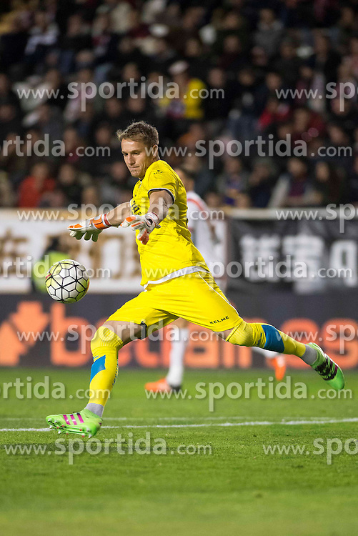 12.03.2016, Estadio de Vallecas, Madrid, ESP, Primera Division, Rayo Vallecano vs SD Eibar, 29. Runde, im Bild Rayo Vallecano's Yoel Rodriguez // during the Spanish Primera Division 29th round match between Rayo Vallecano and SD Eibar at the Estadio de Vallecas in Madrid, Spain on 2016/03/12. EXPA Pictures &copy; 2016, PhotoCredit: EXPA/ Alterphotos/ Borja B.Hojas<br /> <br /> *****ATTENTION - OUT of ESP, SUI*****
