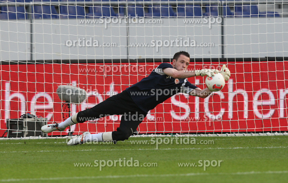 FootballL: Europa League, Qualification, Hannover 96 - St. Patricks Athletic, HAnnover, 09.08.2012..goalkeeper Brendan Clarke (St. Patricks) during warm up..© pixathlon