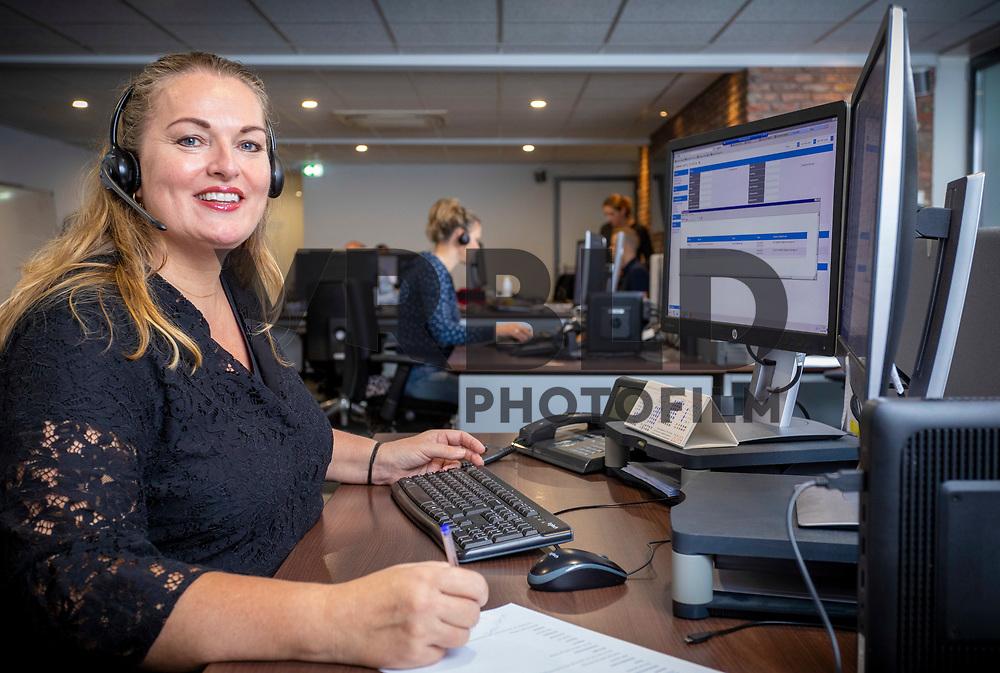 Jeanette van de Reep, telefoniste bij Gomes Alkmaar.