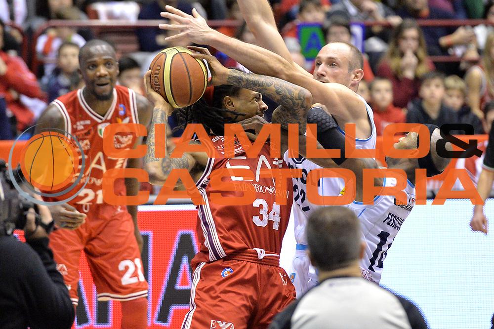 DESCRIZIONE : Milano Lega A 2014-15  EA7 Emporio Armani Milano vs Vagoli Basket Cremona<br /> GIOCATORE : David Moss<br /> CATEGORIA : Fallo curiosit&agrave; mani<br /> SQUADRA : EA7 Emporio Armani Milano<br /> EVENTO : Campionato Lega A 2014-2015<br /> GARA : EA7 Emporio Armani Milano vs Vagoli Basket Cremona<br /> DATA : 25/01/2015<br /> SPORT : Pallacanestro <br /> AUTORE : Agenzia Ciamillo-Castoria/I.Mancini<br /> Galleria : Lega Basket A 2014-2015  <br /> Fotonotizia : Cant&ugrave; Lega A 2014-2015 Pallacanestro : EA7 Emporio Armani Milano vs Vagoli Basket Cremona<br /> Predefinita :