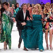 NLD/Amsterdam/20120320 - Modeshow Raak 2012 Amsterdam, Quinty trustfull, Isa Hoes, Jos van Raak, zangeres Do, Dominique van Hulst, Froukje de Both en Birgit Schuurman